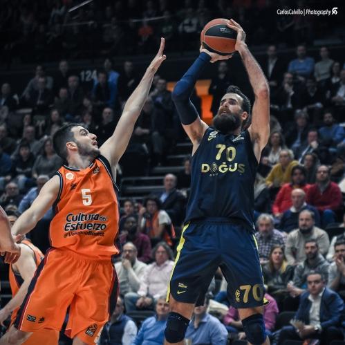 Gigi-Datome-VS-Valencia-Basket